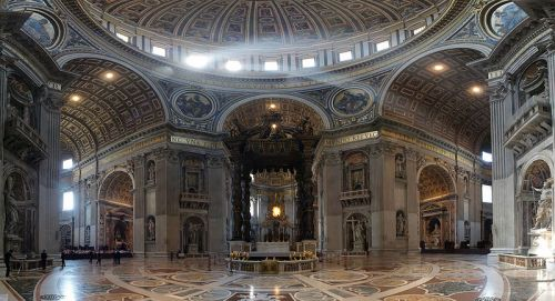 800px-Vatican_Altar_2