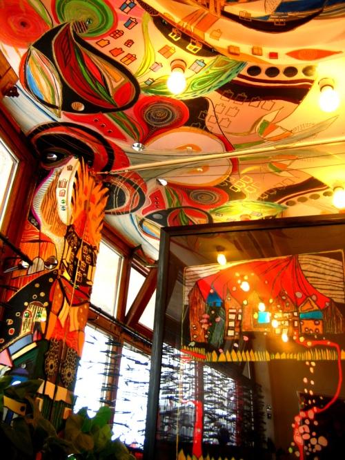 Hundertwasserhaus_Interior,_Vienna