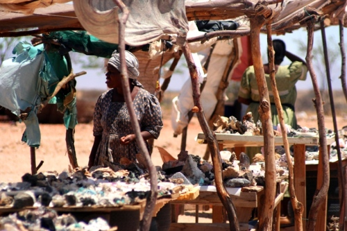 open-air-market-of-semi-precious-stones